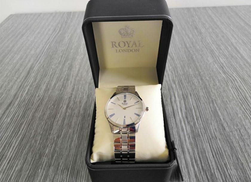 6.9.2019 Dražba ostatních movitých věcí (Pánské hodinky Royal London, 3 ATM). Vyvolávací cena 700 Kč, ➡️ ID621138