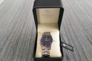 6.9.2019 Dražba ostatních movitých věcí (Pánské hodinky Royal London, slim). Vyvolávací cena 600 Kč, ➡️ ID621142