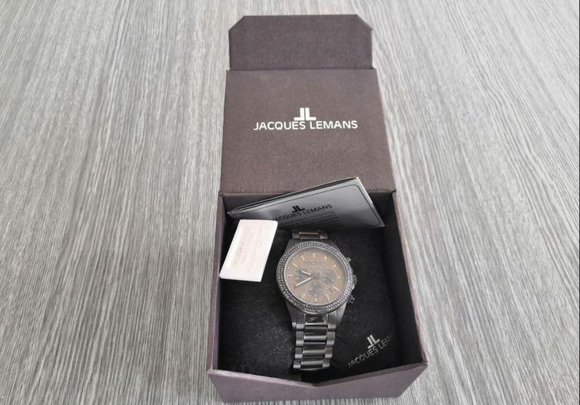 6.9.2019 Dražba ostatních movitých věcí (Unisex hodinky Jacques Lemans). Vyvolávací cena 1.900 Kč, ➡️ ID621087