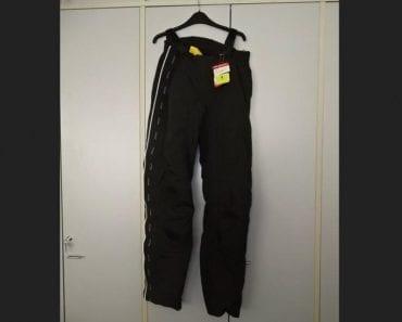 10.9.2019 Dražba ostatních movitých věcí (Moto kalhoty, OUTDOOR SOLID II, vel. L). Vyvolávací cena 400 Kč, ➡️ ID617461