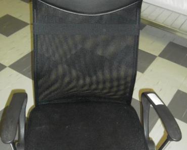 6.11.2019 Dražba kancelářské židle. Vyvolávací cena 300 Kč.