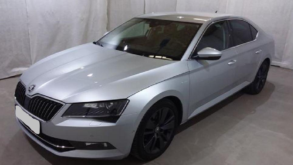 26.11.2019 Dražba automobilu Škoda Superb 2.0 TDI. Vyvolávací cena 300.000 Kč, ➡️ ID663405