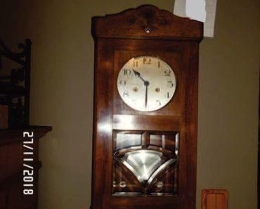 11.12.2019 Dražba ostatních movitých věcí (Rustikální nástěnné hodiny KINZLE). Vyvolávací cena 1.000 Kč, ➡️ ID663660