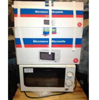 5.12.2019 Dražba mikrovlnné trouby Fairline. Vyvolávací cena 450 Kč.