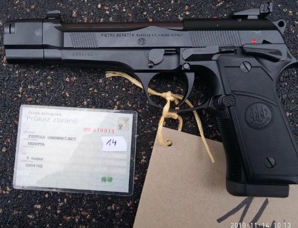 16.12.2019 Dražba pistole samonabíjecí - model 52 Luger. Vyvolávací cena 7.500 Kč.