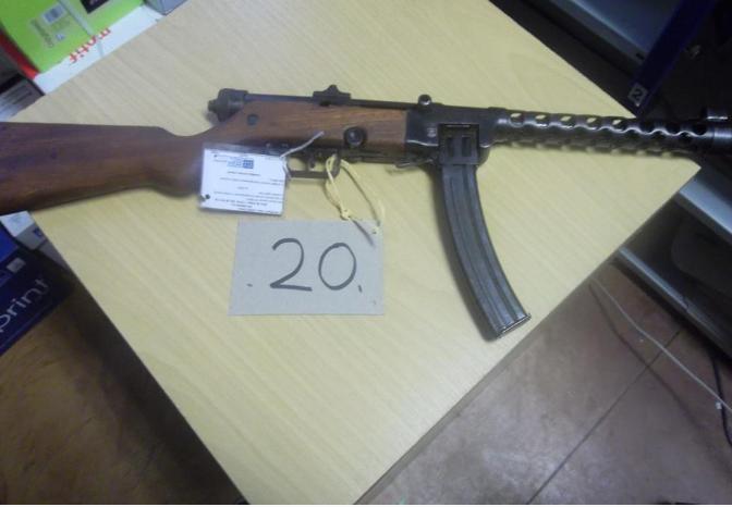 16.12.2019 Dražba znehodnocené zbraně - samopal kategorie D. Vyvolávací cena 1.500 Kč.