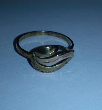 8.1.2020 Dražba zlatého prstenu s puncem. Vyvolávací cena 750 Kč.