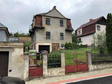 17.12.2019 Dražba nemovitosti (Rodinný dům, Teplice, podíl 1/2). Vyvolávací cena 980.000 Kč, ➡ ID668932