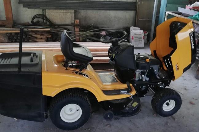13.1.2020 Dražba traktoru CUB CADET LTZ, N292. Vyvolávací cena 12.000 Kč, ➡️ ID670550
