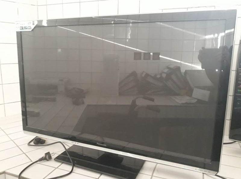Do 12.2.2020 Aukce elektroniky (TV Panasonic). Vyvolávací cena 400 Kč, ➡️ ID679721