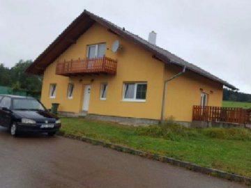 3.2.2020 Dražba nemovitosti (Rodinný dům, Věšín, podíl 1/2). Vyvolávací cena 860.000 Kč, ➡ ID679046