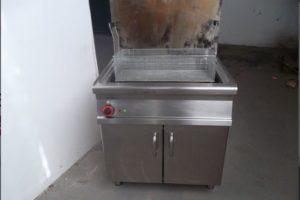 18.3.2020 Dražba stroje (Plynová fritéza značky LOTUS). Vyvolávací cena 8.000 Kč, ➡️ ID689578