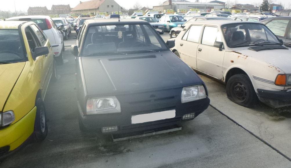 2.4.2020 Dražba automobilu Škoda Favorit. Vyvolávací cena 300 Kč, ➡️ ID689315