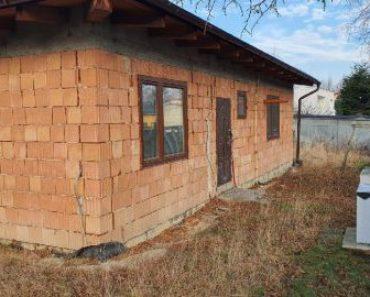19.2.2020 Dražba nemovitosti (Dražba rozestavěného rodinného domu na ul. Jarní v Orlové, včetně pozemků a garáže). Vyvolávací cena 1.333.333 Kč, ➡ ID688257