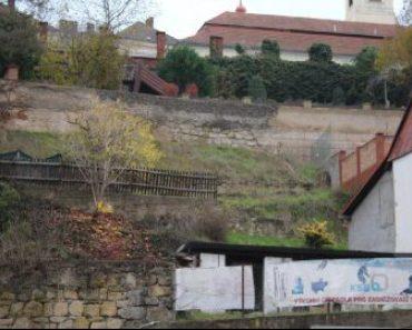 4.5.2020 Dražba nemovitosti (Menší stavba se zahradou, Mladá Boleslav). Vyvolávací cena 478.400 Kč, ➡ ID687092