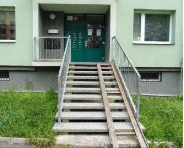 26.2.2020 Dražba nemovitosti (podíl o velikosti 1/3, byt Ústí nad Labem). Vyvolávací cena 72.067 Kč, ➡ ID687182