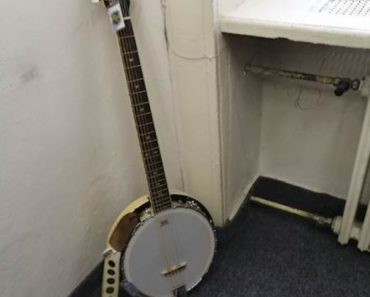 Do 13.4.2020 Aukce ostatních movitých věcí (Banjo). Vyvolávací cena 1.000 Kč, ➡️ ID696359