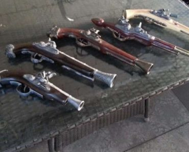 Do 31.5.2020 Výběrové řízení na prodej zbraně (Sada 5ks replik historických křesadlových pistolí). Min. kupní cena Nejvyšší nabídce Kč, ➡️ ID708229