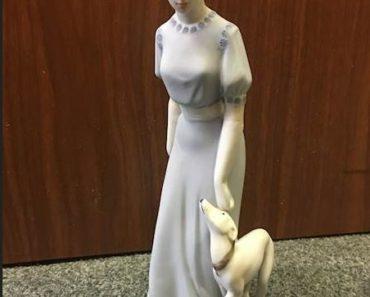 """Do 19.6.2020 Aukce umění (Porcelánová soška """"Dáma se psem""""). Vyvolávací cena 1.000 Kč, ➡️ ID711966"""