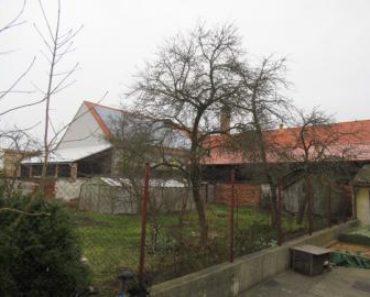 9.6.2020 Dražba nemovitosti (Pozemek o velikosti 332 m2, Horažďovice, podíl 1/2). Vyvolávací cena 60.000 Kč, ➡ ID715170