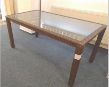 23.9.2020 Dražba nábytku (Kovový stůl s umělým ratanem). Vyvolávací cena 850 Kč, ➡️ ID738341