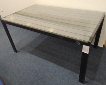 21.9.2020 Dražba nábytku (Kovový stůl s dřevěnou deskou a sklem). Vyvolávací cena 550 Kč, ➡️ ID738324