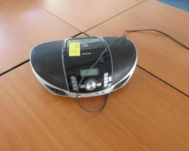 3.11.2020 Dražba elektroniky (Radio, mlýnek, mixér). Vyvolávací cena 400 Kč, ➡️ ID752991