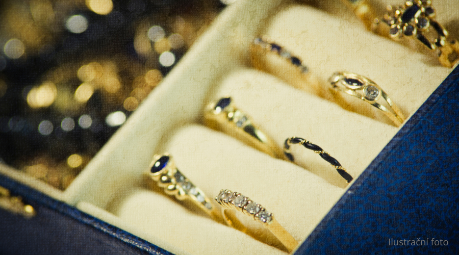 26.3.2021 Dražba ostatních movitých věcí (Přívěsky, Řetízky, Šperkovnice, Hodinky a další). Vyvolávací cena 4.700 Kč, ➡️ ID787573