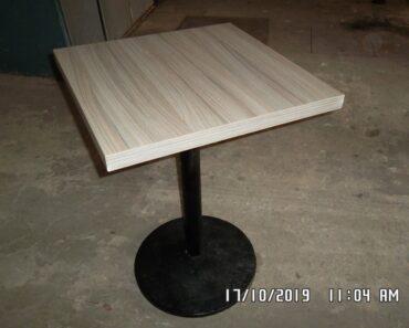 24.8.2021 Dražba nábytku (Soubor stolů). Vyvolávací cena 535 Kč, ➡️ ID814144