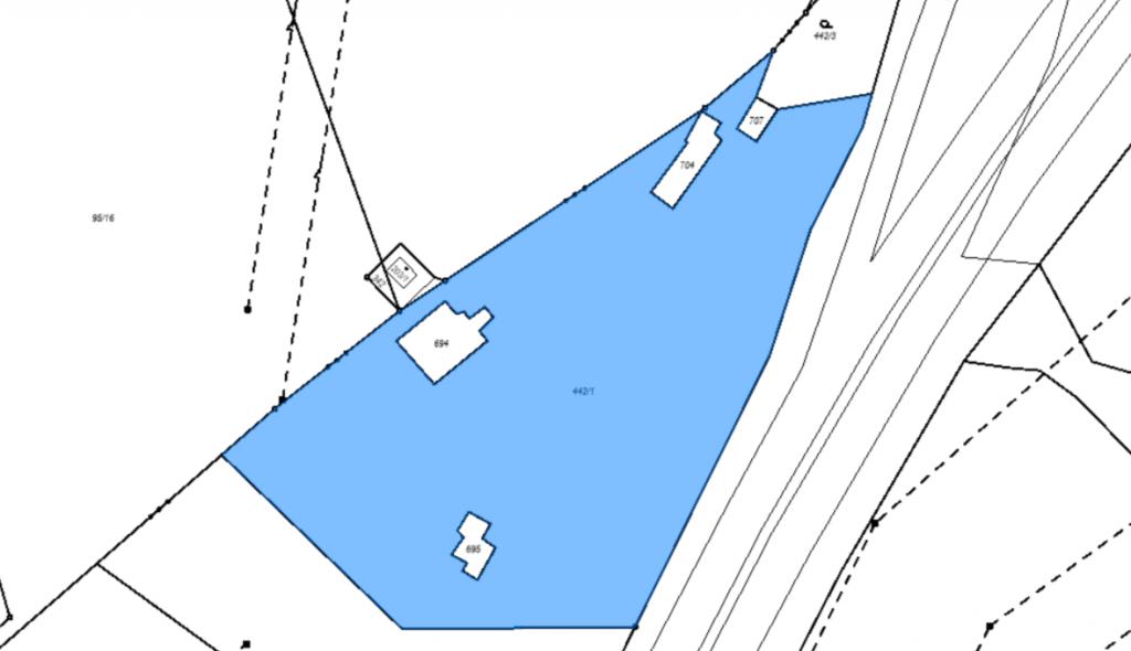 18.10.2021 Dražba nemovitosti (Ostatní plocha). Vyvolávací cena 453.000 Kč, ➡️ ID829972