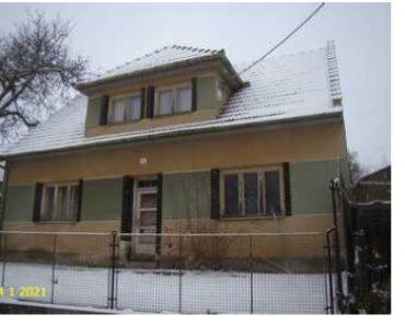 19.10.2021 Dražba nemovitosti (Rodinný dům a pozemky). Vyvolávací cena 800.000 Kč, ➡️ ID828708