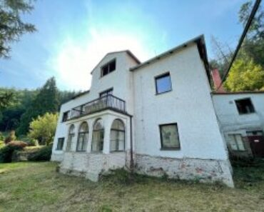 25.11.2021 Aukce nemovitosti (Vila s pozemkem). Vyvolávací cena 8.000.000 Kč, ➡️ ID834286