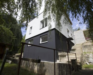3.11.2021 Aukce nemovitosti (Zděná chata s pozemkem). Vyvolávací cena 9.300.000 Kč, ➡️ ID831623